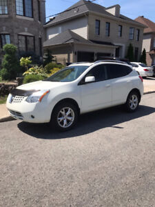 2008 Nissan Rogue AWD - MINT CONDITION - Pearly color
