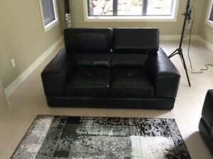 BLACK LEATHER SOFA AND LOVESEAT FOR SALE