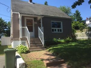 North End Location! Open House Sun. Aug 20th 2-4pm