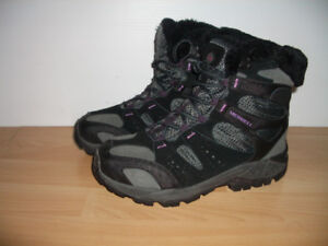"""NEW '' MERRELL """""""" winter boots  for size 8 - 8.5 US lady"""
