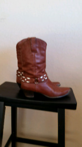 Ladies western leather boots