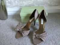 Stripe shoes and matching handbag Worn once excellent condition size 7