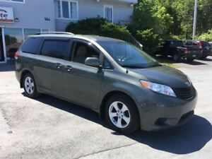 2013 Toyota Sienna LOADED 4 NEW TIRES REAR A/C