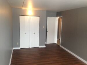 2 bedroom Apartment - Oct 1 - Westfort - South Balcony -