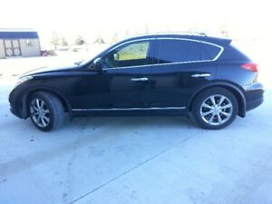 2010 Infiniti EX35 Excellent Condition! LOW KMS!!!