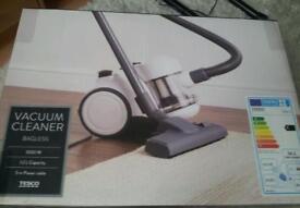 Brand New Vacuum Cleaner Bagless 1000W