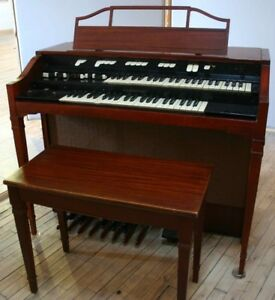 orgue organ 2 Hammond L 500$ ou échange