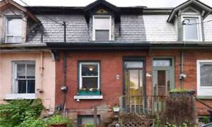 CORKTOWN FREEHOLD TOWNHOME ( KING / PARLIAMENT )