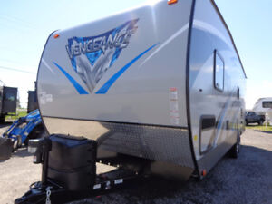 Awesome Special on 2018 Vengeance 26FB13 Toy Hauler