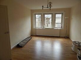 A spacious Top Floor, 3 bedroom Flat - High Street, Johnstone AVAILABLE AUGUST 2021