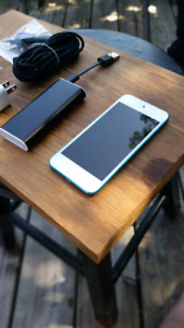 Ipod touch 5th generation -blue