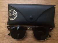 RB3016 49 Clubmaster ( Purchased In Covent Garden)