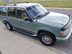 1995 Ford Explorer Eddie Bauer Limited Edition SUV, Crossover