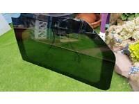 Vauxhall vivaro glass