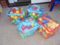 4 x Bags of Kids Ball Pool Balls