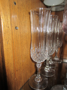 Various sets of wine glasses