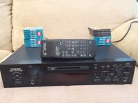 TASCAM MD-301 MKII MiniDisc Recorder w/ RC-32 Remote Control and 20 MiniDiscs
