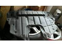 Lexus is200 engine under tray 98-05 breaking spares is 200 can post