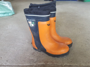 Viking chainsaw boots size US 9 used once