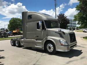 2013 Volvo VNL 64T 670 Loaded