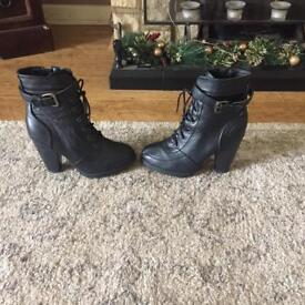 Heeled black boots size 5
