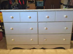 6-Drawer Dresser with matching nightstand