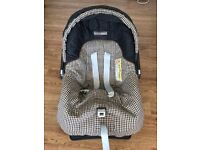 Mama's and Papa's infant Car Seat