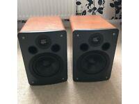 Q acoustics 1020 Bookshelf Speakers