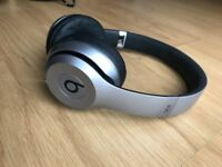Beats by Dr. Dre Solo2 Wireless Bluetooth Headphones £120 ONO