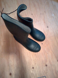 NEW Green Rubber Boots