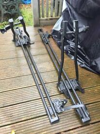 Roof cycle carrier