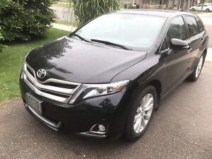 2015 Toyota Venza AWD NAV LTD only 29000kms