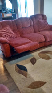 LA-Z-BOY RECLINER SOFAS AND CHAIR