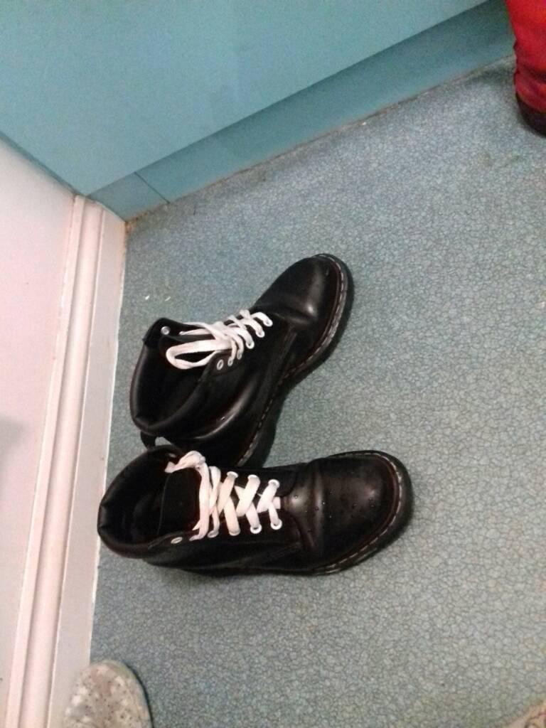 Womens boots blackin Knightswood, GlasgowGumtree - Womens docs size 7