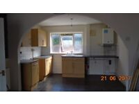 large 2 bed flat on 1st floor in quiet area