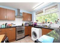 Luxury Housing. SUMMER SALE, NO AGENCY FEE Double room (single use) ALL BILLS INCLUDED in POPLAR