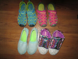 Sandals, Slip Ons, and Slippers Size 5/6