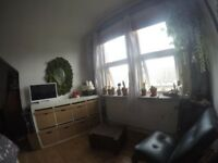 Big double bedroom in Walthamstow 3' from tube & bus station!