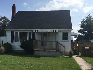 DETACHED TWO STOREY W LARGE YARD! 9 Francis Street