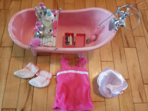 Our Generation BathTub with Beauty Product Set for 18 inch doll