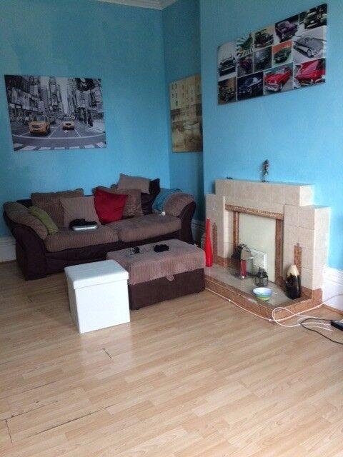 Room for rent £400 Nottingham city centre/high school tram stop. BILLS INCLUDED