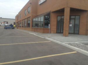 INDUSTRIAL/RETAIL BUILDING FOR LEASE OR PURCHASE