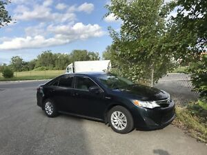 2013 Toyota Camry Hybrid LE - Great Condition!