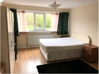 Spacious Double bedroom to rent near CMK shopping centre, Conniburrow