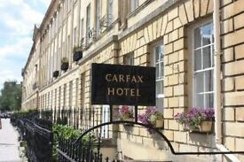Boutique Hotel - Welcome Host ( reception) Full time, immediate start! Training provided!
