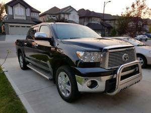 2012 Toyota tundra Platinum CrewMax 5.7 L V8 Fully loaded