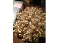 Virtu golden blonde curly wig
