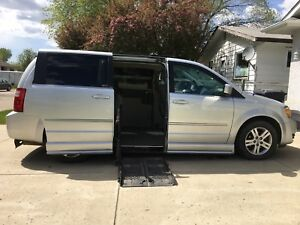 2010 Dodge Caravan Wheelchair Van