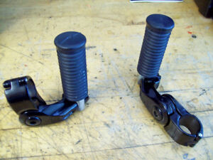 HARLEY DAVIDSON BLACKED OUT HIGHWAY PEGS