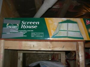 12x12 screened tent, used once.